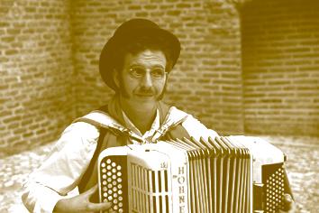 Yannick Harnois et son accordéon